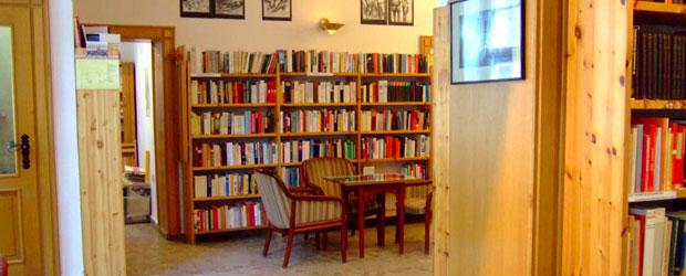 Gedenkbibliothek-innen-620